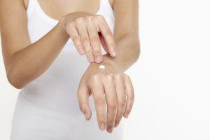 Die richtige Narbencreme kann helfen