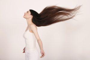 Zink kann eingewachsene Haare verhindern und allgemein die Haarstruktur verbessern.