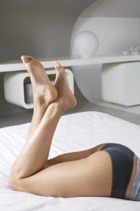 Viele Frauen leiden unter eingewachsenen Haaren in der Bikinizone