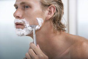 Ein Rasurbrand tritt nach der Rasur auf und kann sehr unangenehm sein.