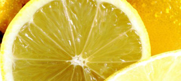 Vitamin C Serum für die Haut und gegen Narben