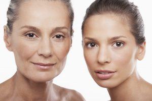 Vitamin C Serum wird gerne als Anti-Aging Mittel verwendet da es die Haut strafft und geschmeidig macht.