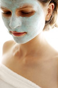 Tonerde ist auch perfekt als Gesichtsmaske geeignet.
