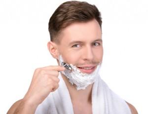 Bald ist Schluss mit Rasieren: Enthaarungscremes für Männer!