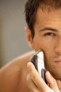 Bei einer Rasur mit einem Elektrorasierer kommt es selten zu Rasurbrand